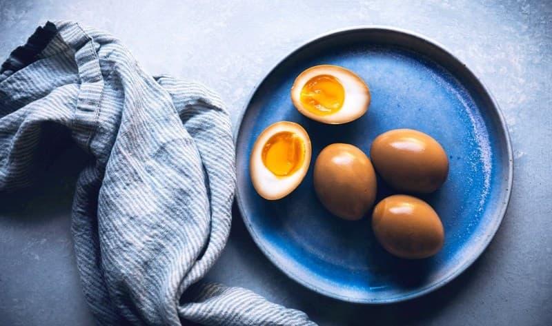 Sau sinh mổ có được ăn trứng gà không?