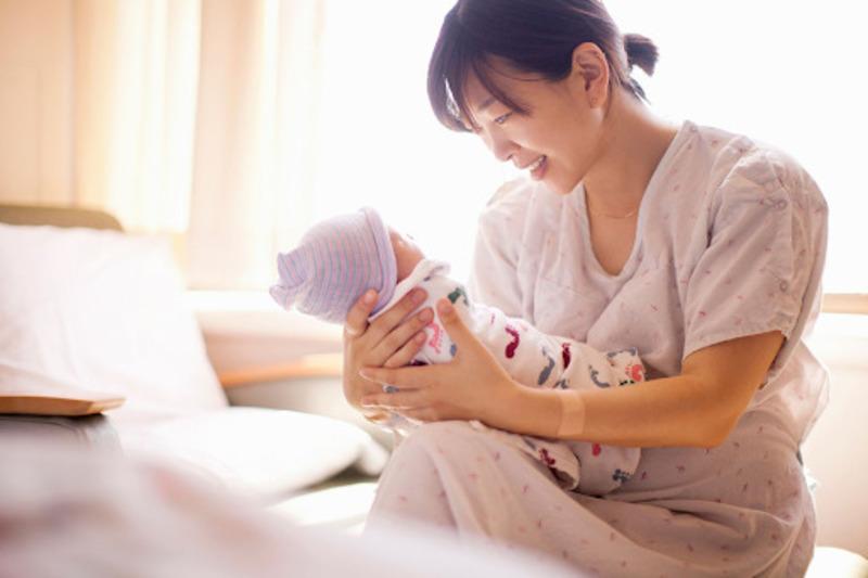 Thai con so thường sinh sớm hơn con rạ