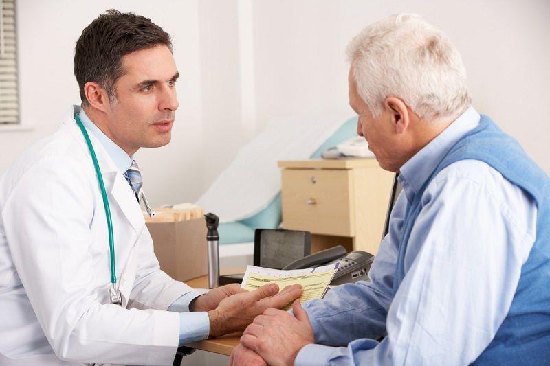 Cần tham khảo ý kiến bác sĩ khi dùng thuốc cho trẻ nhỏ hoặc người cao tuổi
