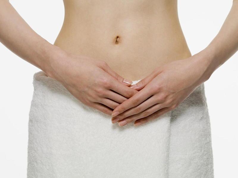 Dùng dung dịch vệ sinh phụ nữ sau sinh giuspp làm sạch, ngừa viêm nhiễm