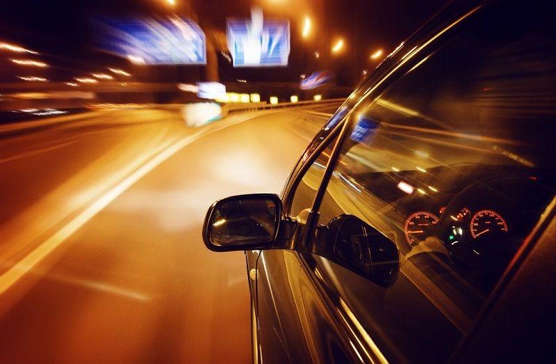 Không nên lái xe vào buổi tối khi sử dụng thuốc Voriconazole