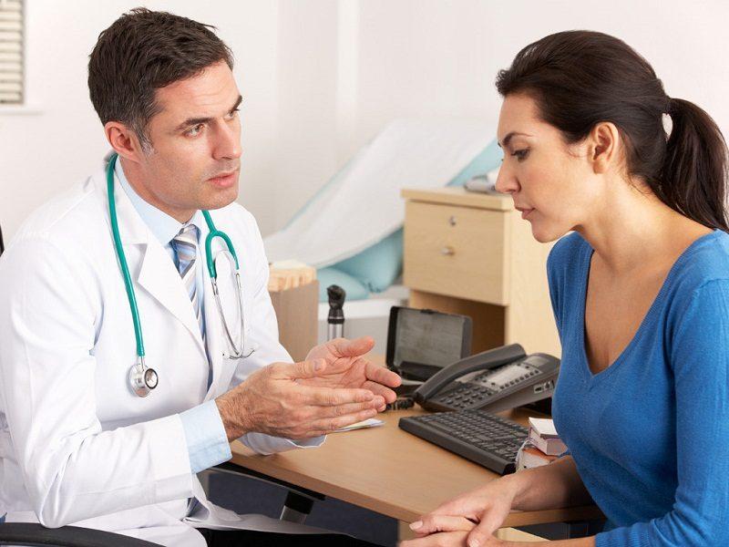 Ngay khi phát hiện những dấu hiệu bất thường của cơ thể hãy thông báo với bác sĩ