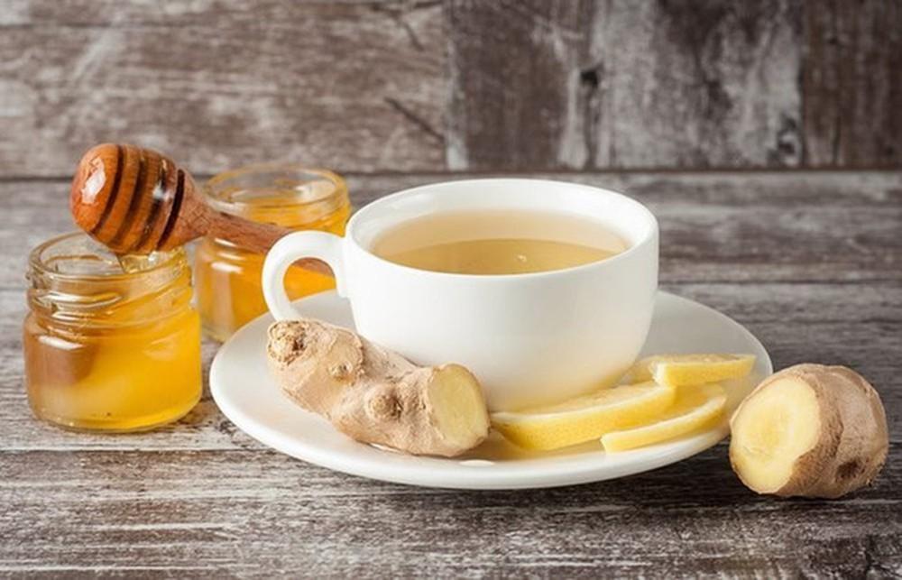Sử dụng trà gừng là cách giảm cân sau sinh mổ được nhiều người áp dụng