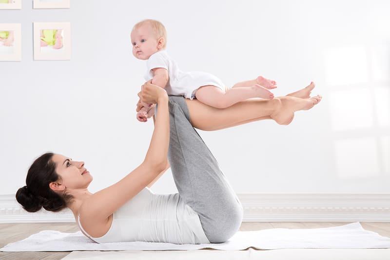 Tập luyện giúp mẹ giảm mỡ bụng sau sinh