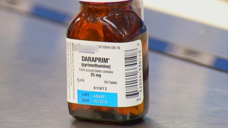Pyrimethamine (Daraprim) có dạng viên nén