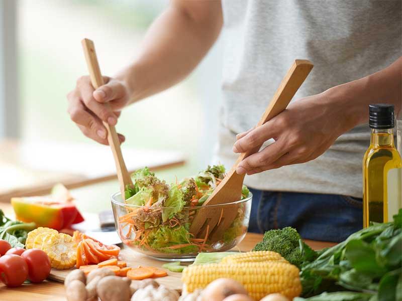 Chế độ dinh dưỡng ảnh hưởng như thế nào đến chức năng sinh lý nam?