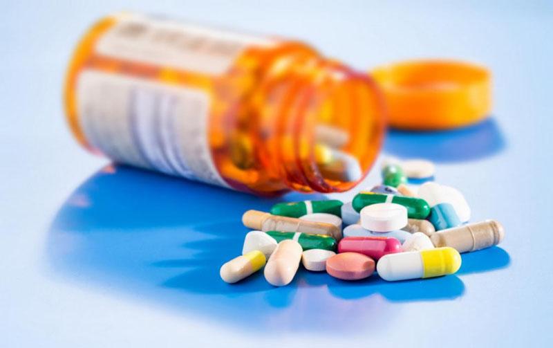 Điều trị tinh trùng có máu bằng thuốc Tây y