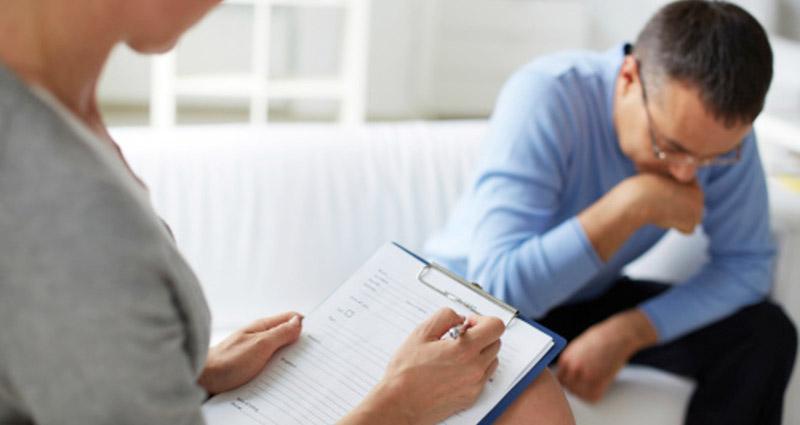 Nam giới cần đi khám chữa ngay khi cơ thể có các dấu hiệu bệnh lý bất thường