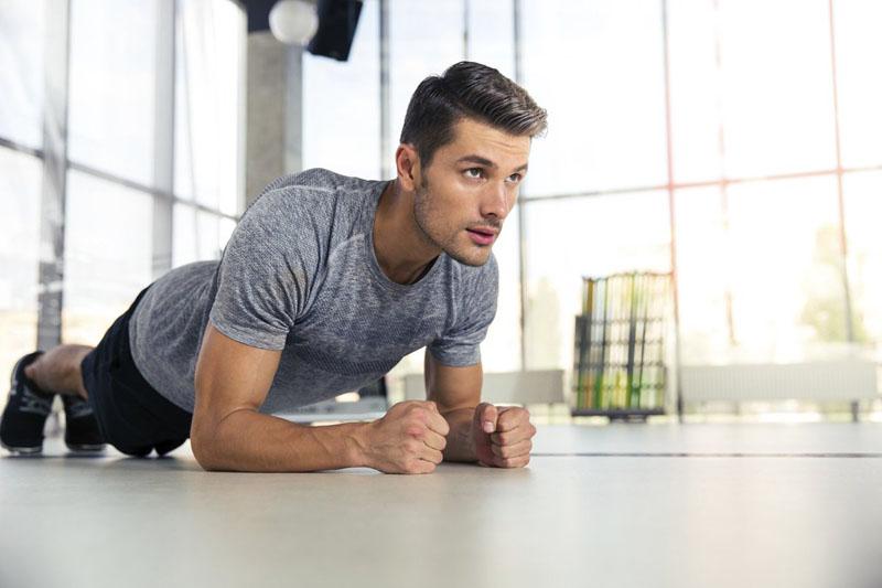 Nam giới cần luyện tập thể dục thể thao đều đặn để cải thiện chức năng sinh lý
