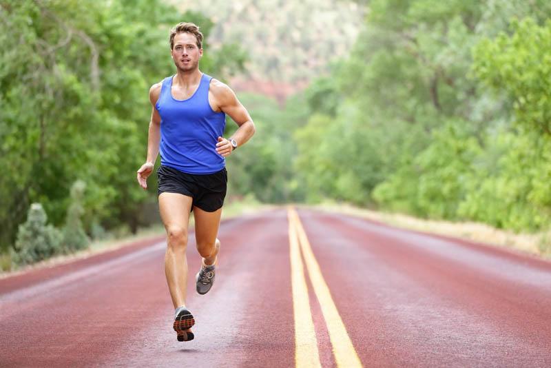 Nam giới cần luyện tập thể dục thể thao đều đặn để duy trì sức khỏe