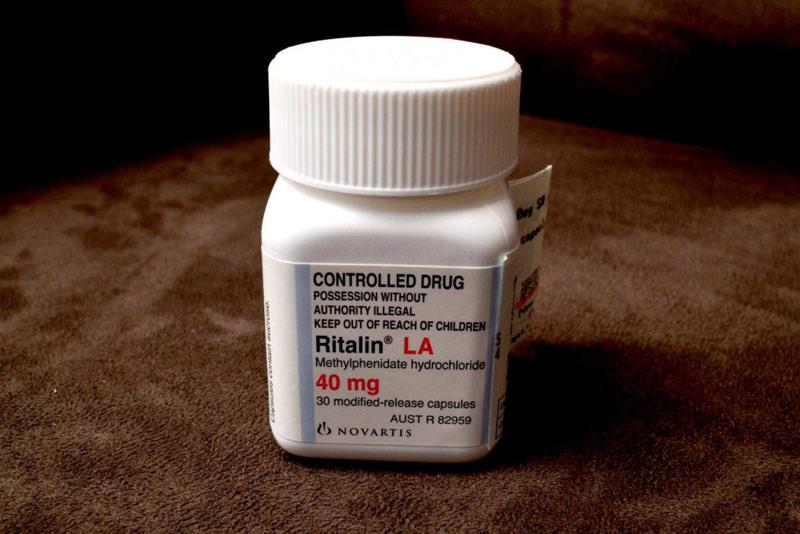 Người bệnh cần dùng thuốc theo chỉ định của bác sĩ