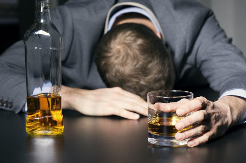 Người sử dụng nhiều chất kích thích có nguy cơ bị rối loạn chức năng cương dương khá cao
