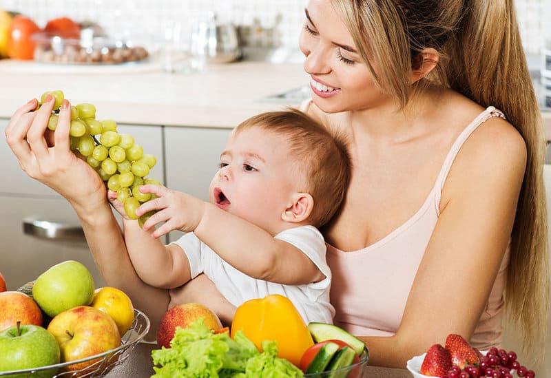 Sau sinh có nên ăn nho không