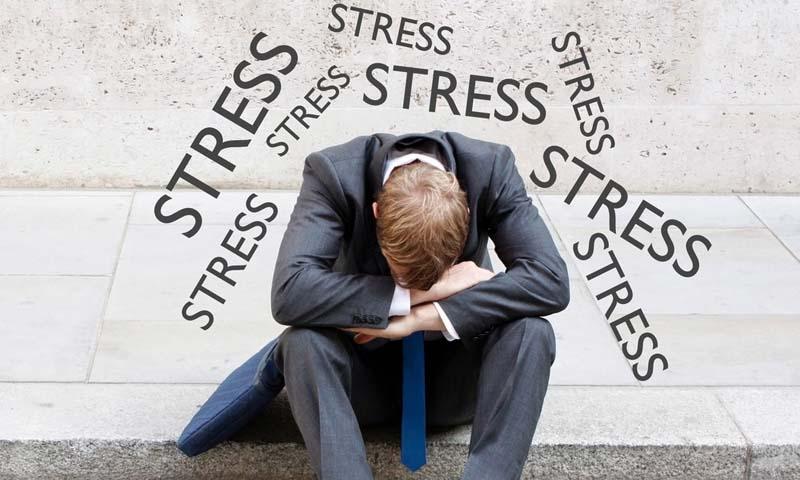 Tâm lý căng thẳng kéo dài cũng dẫn đến tình trạng rối loạn chức năng sinh lý nam