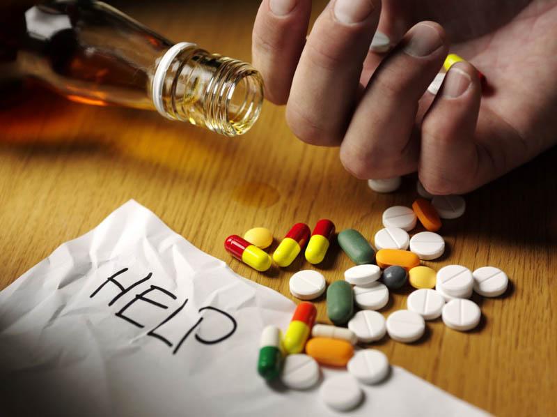 Thuốc Tây y dễ gây ra tác dụng phụ nếu dùng không đúng cách