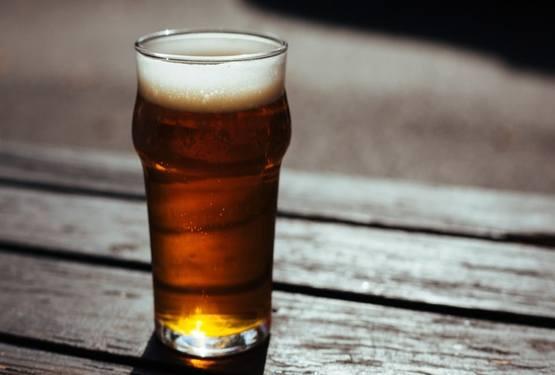 Uống bia lợi sữa