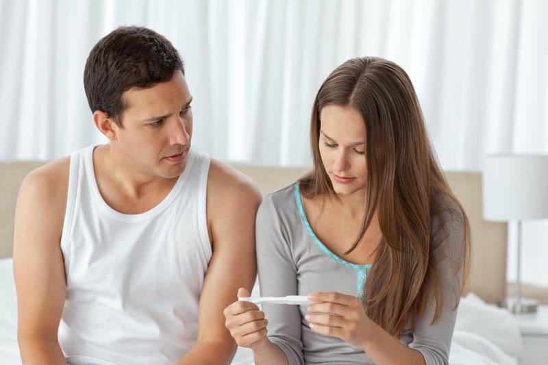 Xuất tinh ra máu có thai không là nỗi lo của khá nhiều cặp vợ chồng