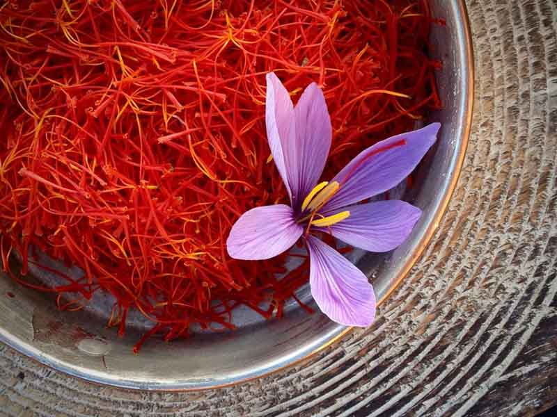 Chữa rối loạn cương dương bằng bài thuốc từ nhụy hoa nghệ tây