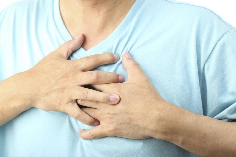 Đề phòng hiện tượng đau tức ngực khi sử dụng thuốc này