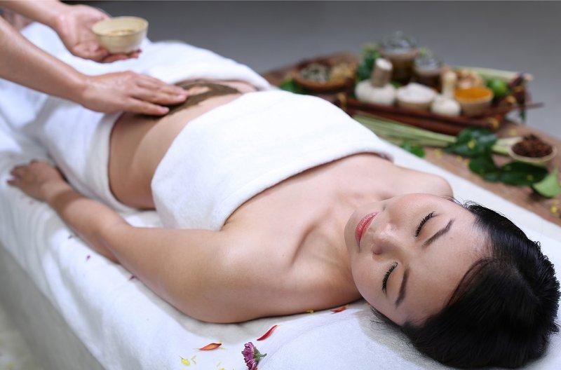 Massage cho mẹ sau sinh
