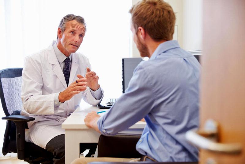 Nam giới cần cho bác sĩ biết về các vấn đề sức khỏe mà mình đang gặp phải