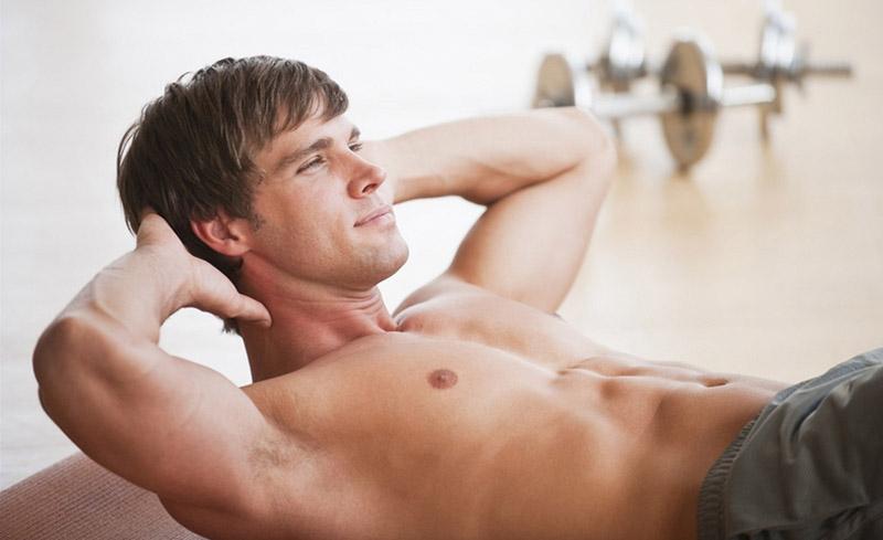Nam giới nên luyện tập thể dục thường xuyên để tăng cường sức khỏe