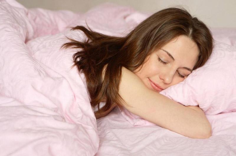 Nên giữ tâm lý vui vẻ, thoải mái, nghỉ ngơi phù hợp để cơ thể luôn khỏe mạnh