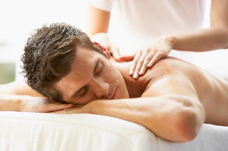 Người bệnh có thể đi massage hoặc xông hơi để thư giãn cơ thể