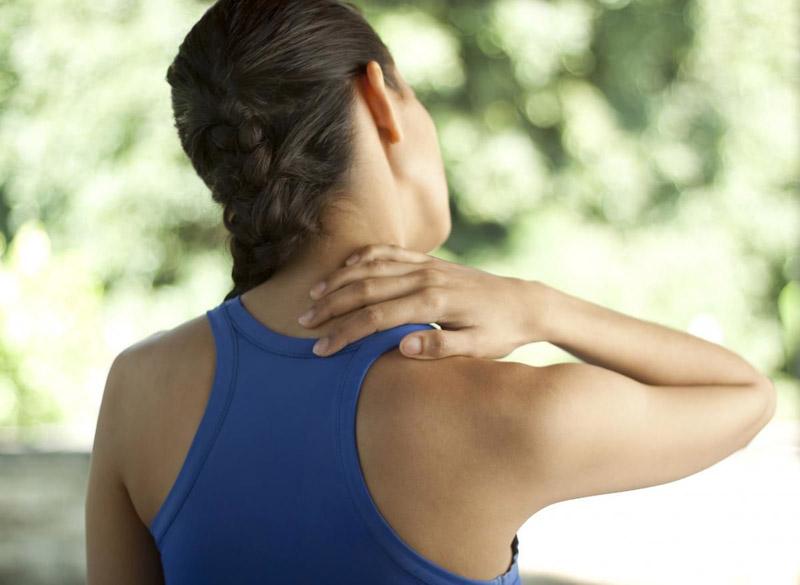 Người bị bệnh thoái hóa đốt sống cổ có nên tập yoga không?