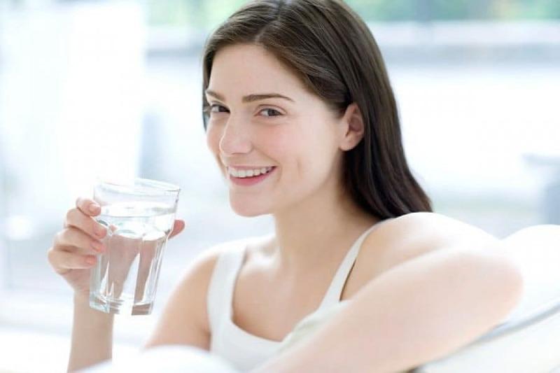 Uống gì lợi sữa: Uống nước lọc