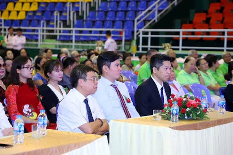 Khách mời đến từ các đơn vị chuyên môn tham dự buổi lễ