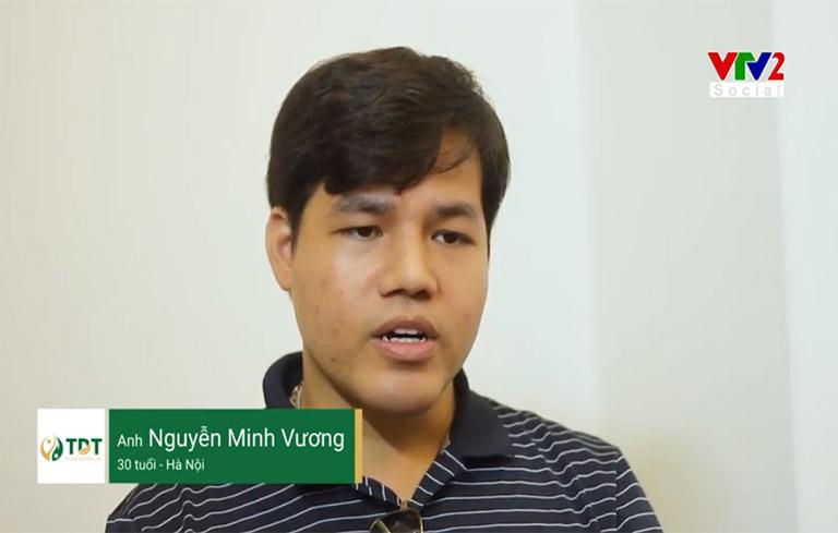 Anh Minh Vương trả lời phỏng vấn trong phóng sự VTV2