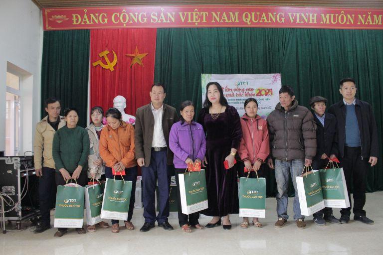 Trung tâm Thuốc dân tộc tổ chức buổi thiện nguyện ý nghĩa ở Bắc Kạn