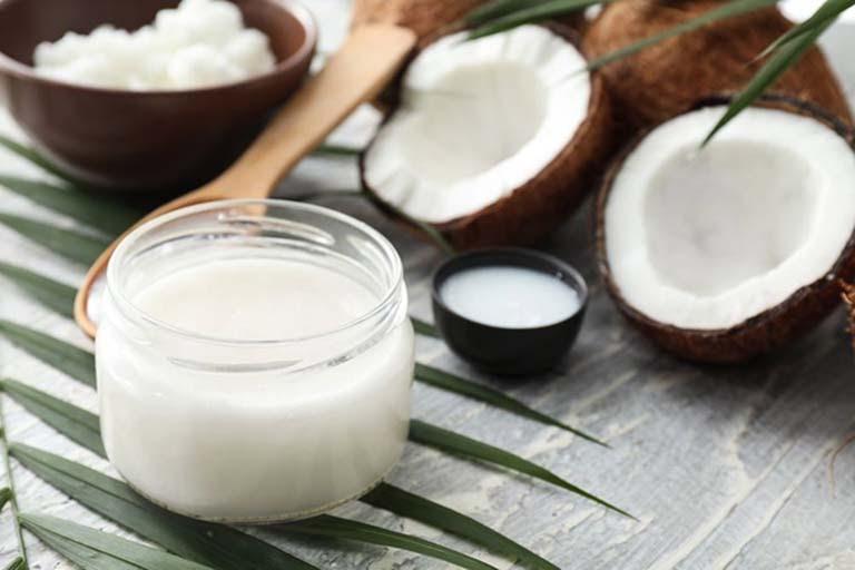 Trị sạm da với dầu dừa được nhiều người ưa chuộng