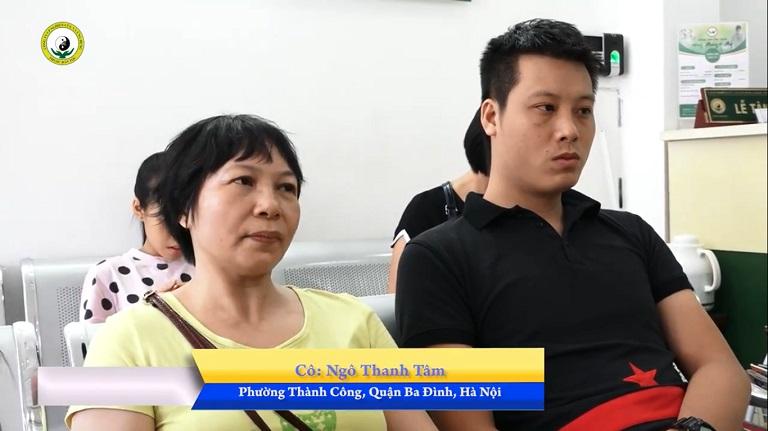 Anh Nguyễn Ngọc Huy và mẹ đến Trung tâm tái khám