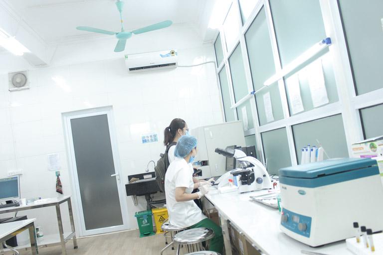 Người bệnh sẽ được làm các xét nghiệm, phân tích chuyên sâu